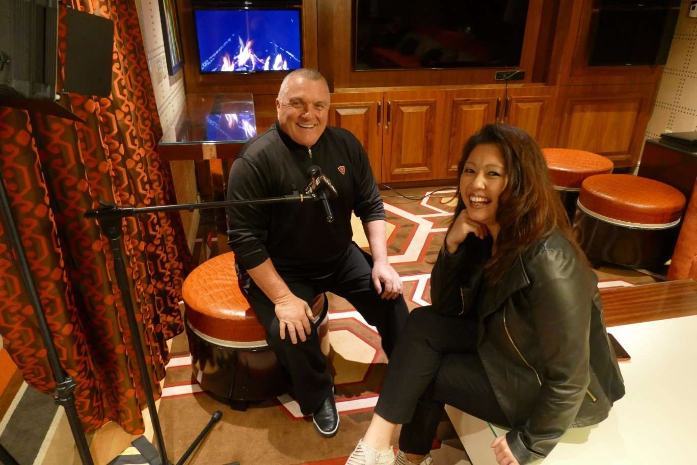 Fireside chat with Rudy Ruettiger and Maria Ngo - MasterCastLive.com