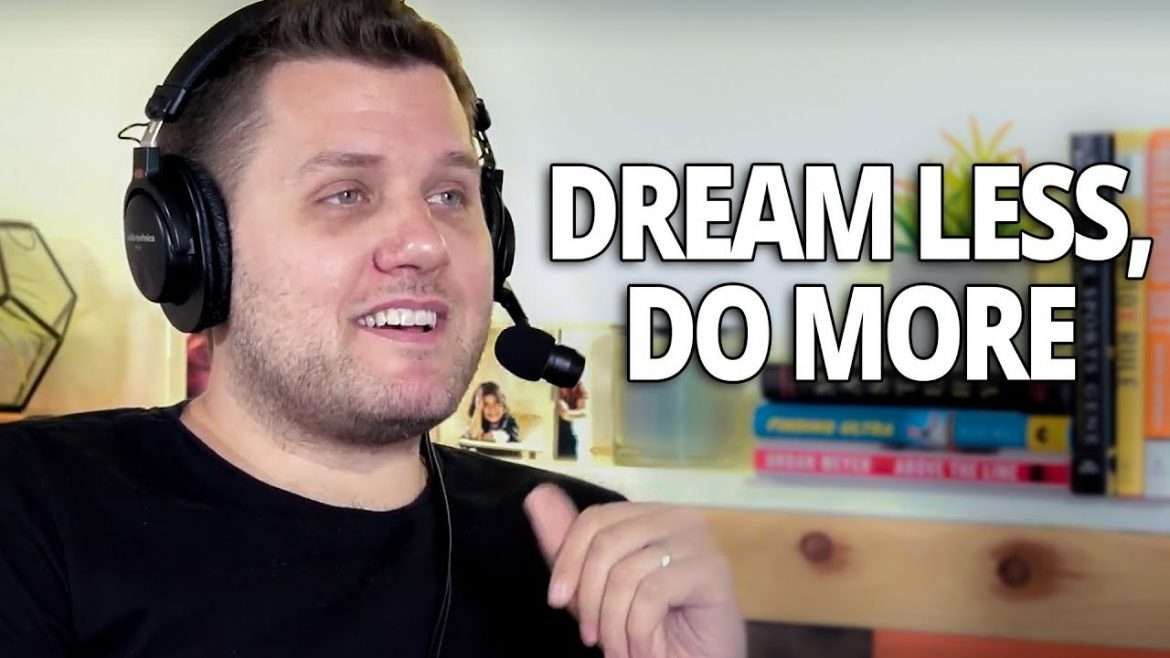 Mark Manson - Dream Less, Do More, and Create Real Happiness (with Lewis Howes)