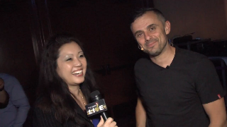 Gary Vaynerchuk (showcase) with Maria Ngo | SuccessShowcase.com