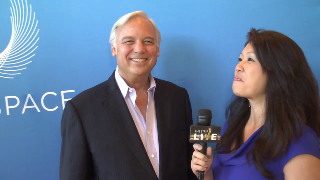 Jack Canrield (showcase) with Maria Ngo | SuccessShowcase.com