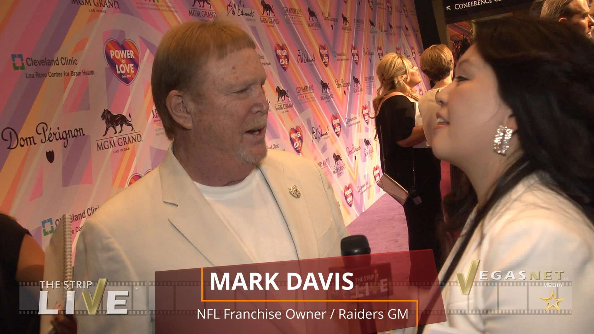 Mark Davis (showcase) on THE STRIP LIVE for VegasNET media