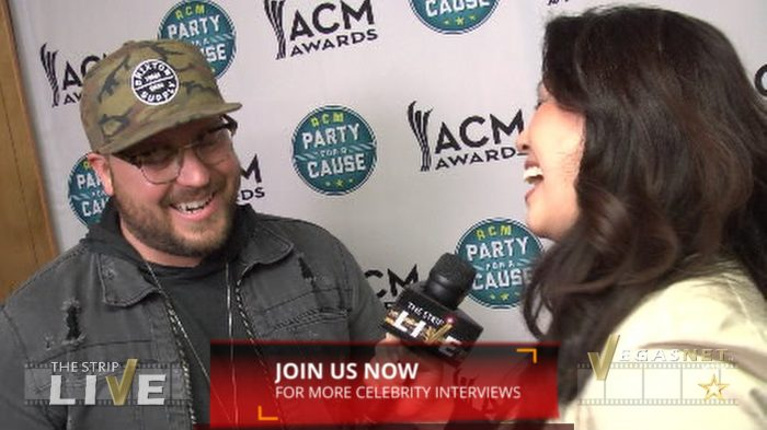Mitchell Tenpenny showcased on THE STRIP LIVE (with Maria Ngo & Ray DuGray)